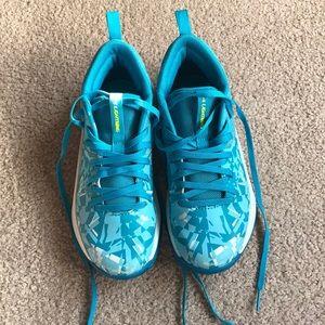 Under Armour Girls Lightning Basketball shoes